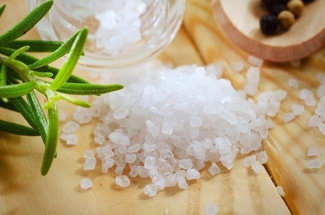 Chườm muối nóng giúp đánh tan mỡ bụng