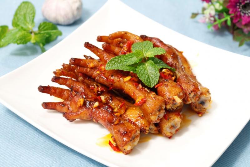 Ứa nước miếng với chân gà nướng muối ớt tại nhà thơm ngon đậm đà