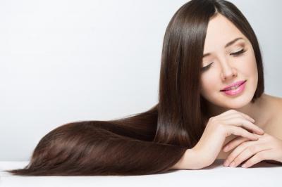 """Mẹo biến mái tóc khô xơ trở nên """"óng mượt như tơ"""""""