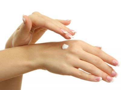 Không còn thô ráp với 5 loại kem dưỡng sở hữu đôi tay mịn màng như da em bé