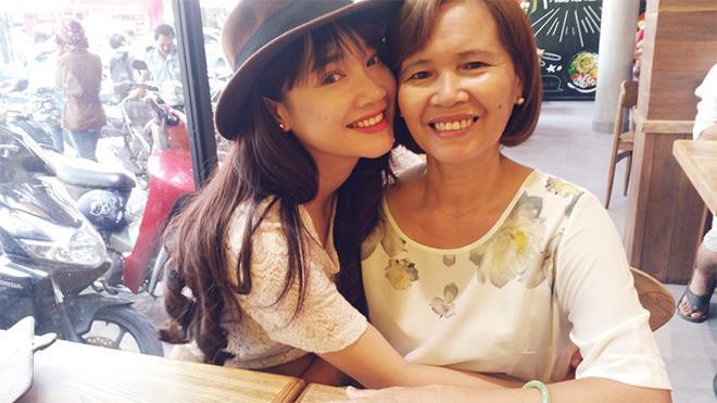Vì tính ghen tuông của mẹ, Nhã Phương từng ấm ức đến mức muốn tự tử