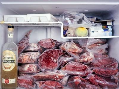 Quan niệm sai lầm khi tích trữ thịt trong ngăn đá nhiều người hay mắc phải