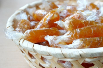 Chỉ 30 phút vào bếp có ngay đĩa kẹo gừng dẻo ngon cho ngày Tết ấm áp
