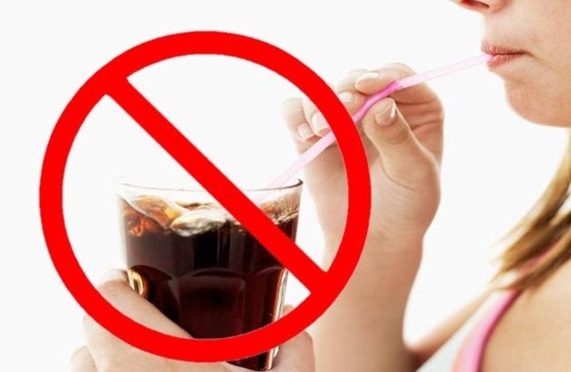Dừng ngay việc cho trẻ nhỏ uống nước ngọt có ga nếu không muốn cơ thể trẻ bị hủy hoại bởi những tác hại sau